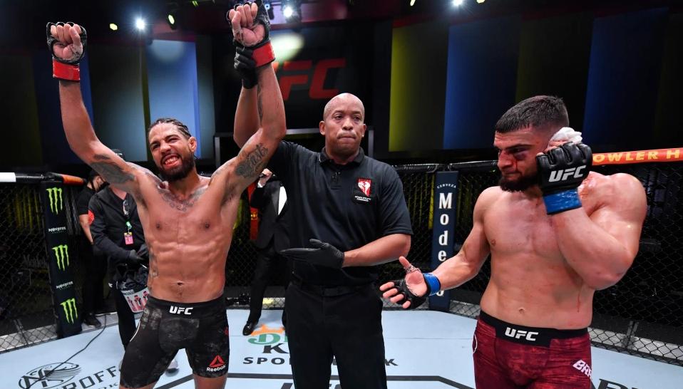 Ужасная травма на UFC Vegas 13: Рамиз Брахима чуть не лишился уха