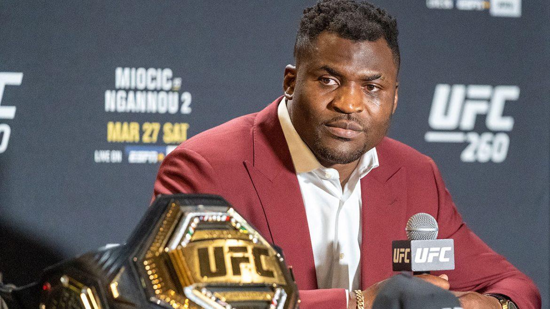 Фрэнсис Нганну осудил UFC за создание временного титула в тяжелом весе